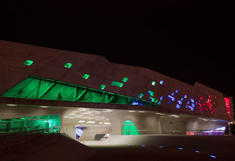 Phaeno sience center - نورپردازی معماری زاها حدید