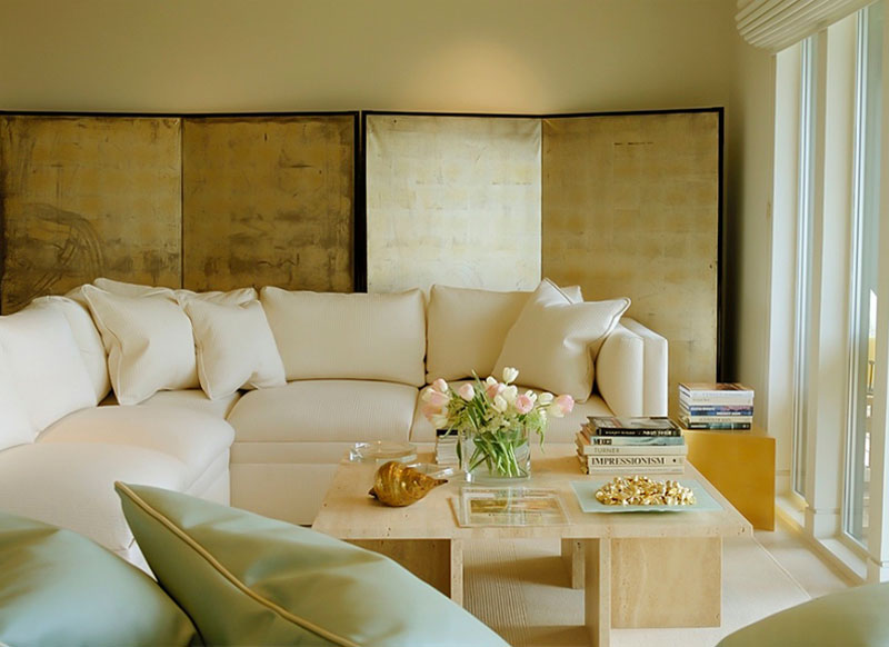 طلایی در دکوراسیون داخلی اتاق نشیمن