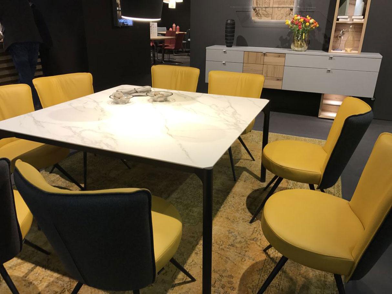 میز نهارخوری زرد در طراحی داخلی
