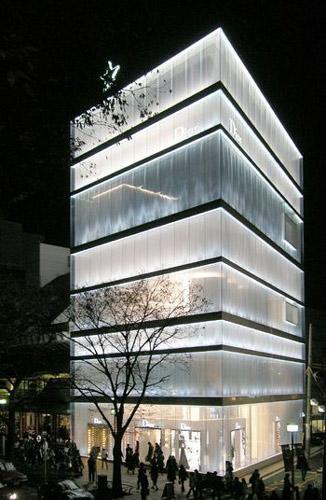 Dior shop - نورپردازی ویترین مغازه هایمد و پوشاک