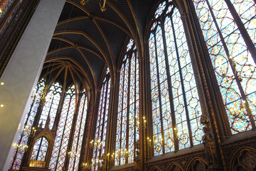 gothic architecture - تاریخچه نور پردازی