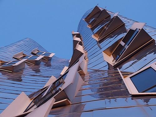 mojasame - تفاوت بین معماری و مجسمه سازی