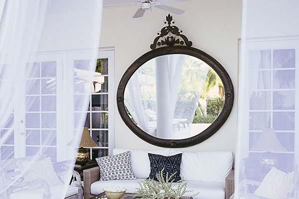 Mirror Gallery Wall 1 - آینه در دکوراسیون داخلی
