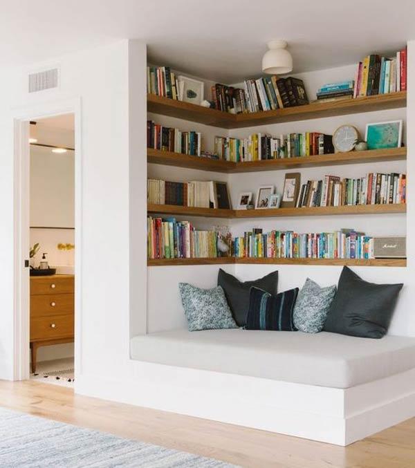 bookshelf on the corner - چگونه فضاهای بدساخت را به دکوراسیون شیک تبدیل کنیم؟