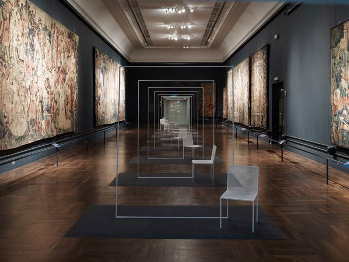 mimicry chairs installation - تقلید در معماری
