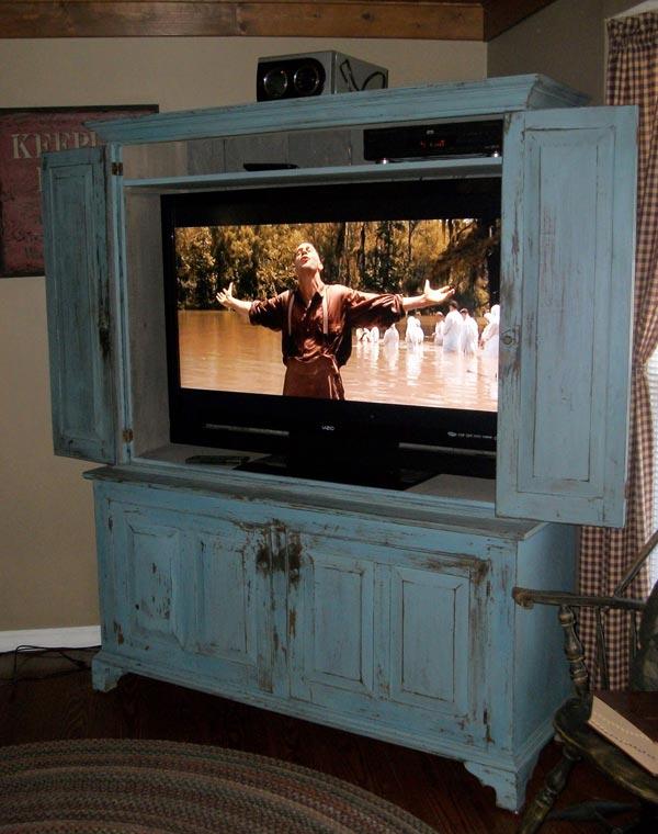 stained wooden tv wall cabinet - ایدهها و نکاتی دربارهی محل قرار گیری و دکور تلویزیون