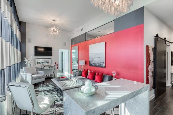 warm sing wall color - چگونه دیوار تاکیدی و رنگ آن را در اتاق خواب تعیین کنیم ؟