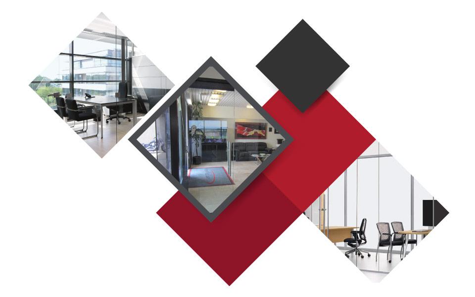 Glass Walls And Doors - ۷ مفهوم نوین طراحی دکوراسیون داخلی محل کار برای جذب بهترین نیروی کار