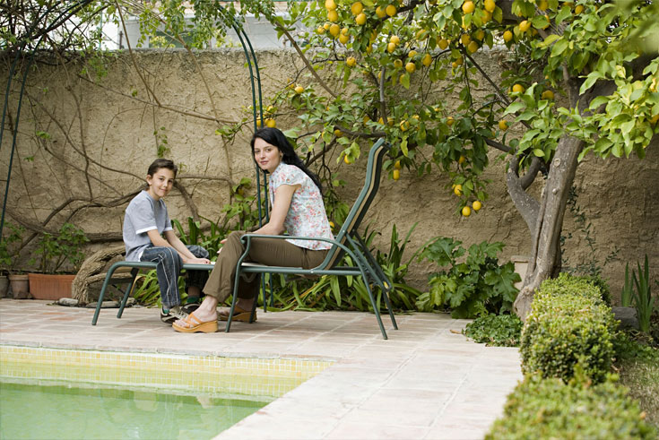 decorasion giyahan kenar estakhr15 - بهترین گیاهان مناسب برای اطراف استخر