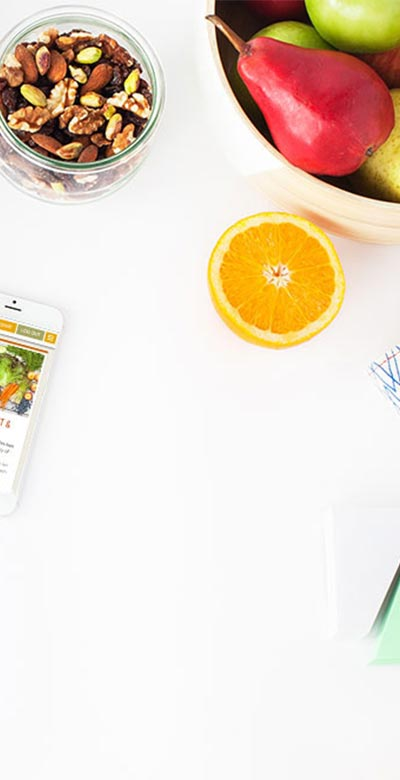 snack happy at office desk - ایده هایی برای چیدمان میز کار