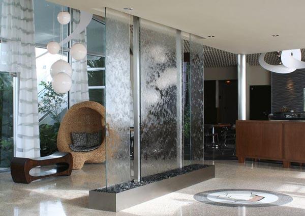 wate wall divider - عنصر آب در فنگ شویی